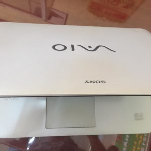 SONY FIT 14 - laptop chinh hang cu gia re